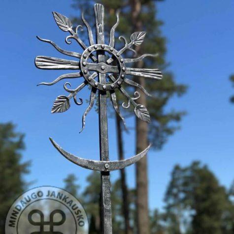 kaltiniai kryžiai saulutės 0