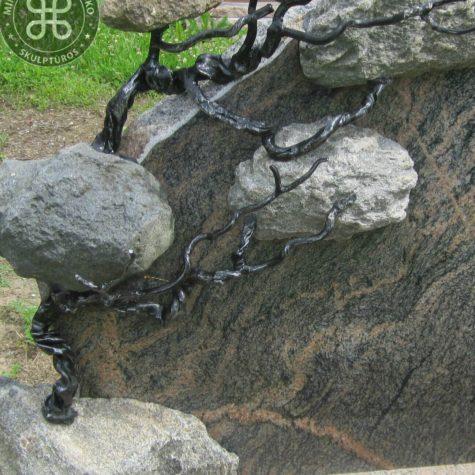 meniski skulpturiniai lietuviski paminklai