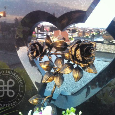 rožė kalviška 012