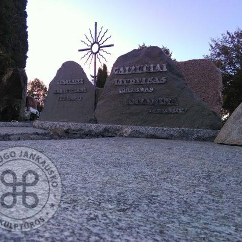 kaltiniai kryžiai paminklams saulutės 4