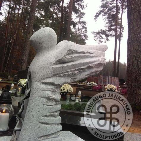 moderni angelo skulptūra